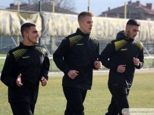 Ботев ще обиграва двама във Втора лига