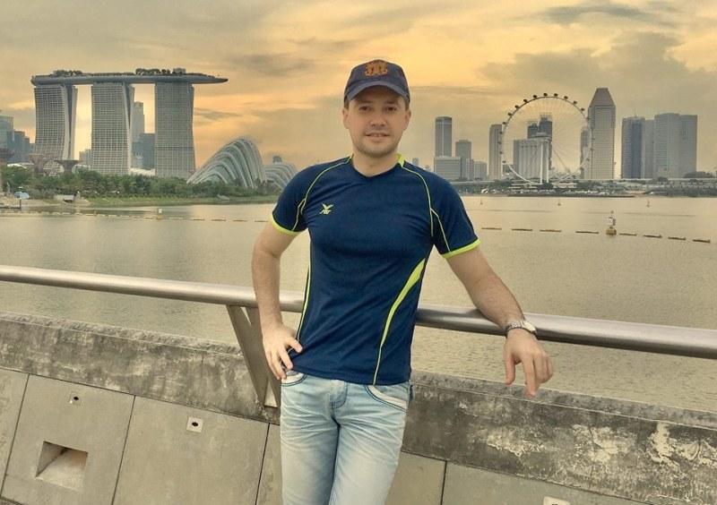 Вдъхновяващо! Пловдивчанин смая Сингапур, плени световните медии с уникална инициатива СНИМКИ