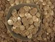Мъж откри 100 кг заровено злато в стара къща, която наследил от родата