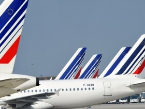 Авиокомпания отмени 228 полета заради силната буря