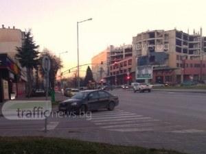 Поразително! Безочлив шофьор завзе пешеходна пътека СНИМКИ