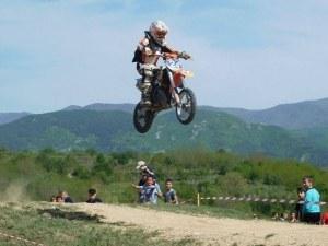 11-годишен талант от Пловдив е номер 1 в мотоциклетизма ВИДЕО И СНИМКИ