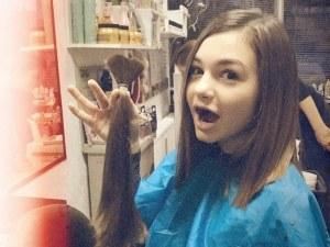 Добрият пример: Крисия отряза косата си, за да я дари
