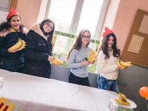 Цветна седмица в Марково! Седмокласници подеха здравословна инициатива СНИМКИ