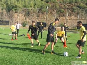 Ботев и Локо играят контроли днес в Турция