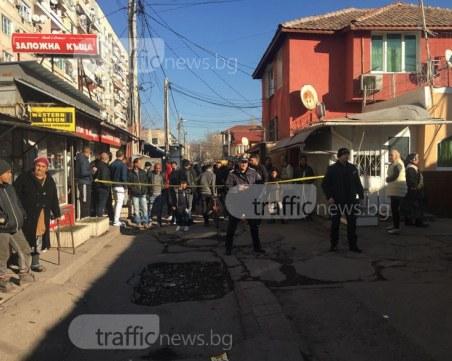 Още незаконни постройки падат в Столипиново, полиция укротява буйстващи роми СНИМКИ