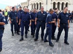 От март започва изплащането на 100-те милиона за полицаите
