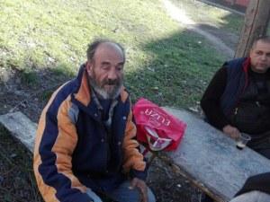 Разярен ротвайлер нахапа инвалид, 80-годишният му баща го спаси