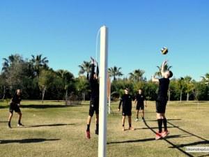 В Локо разпуснаха с волейбол в почивния ден на лагера
