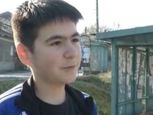 Проговори Александър, свален от автобус заради едри пари