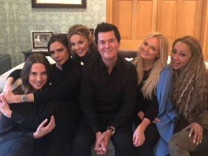 Spice Girls отново заедно! Тръгват на турне