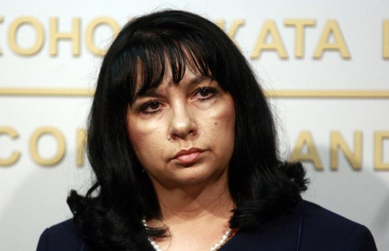 Заради тока: Бизнесът поиска оставката на министър Теменужка Петкова