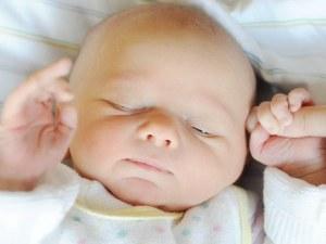 Чудо! Роди се 350-грамово бебе в отлично здраве СНИМКА