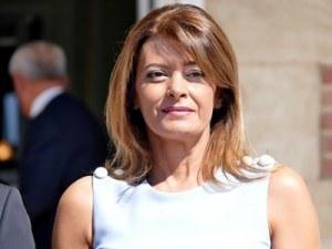 Летяла ли е съпругата на президента Десислава Радева с черен мерцедес? НСО отрича