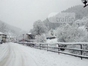 Снежен капан край Пловдив! Положението по пътищата е критично ВИДЕО+СНИМКИ