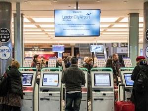 Летище Лондон Сити ще възобнови работа чак утре