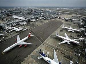 """Катастрофа на летище """"Хийтроу""""! Повече от 20 полета са забавени"""