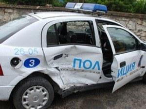 Полицейски шеф катастрофира със служебен автомобил, рани колежка