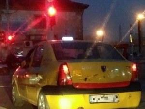 Пловдивчанин слезе на червено от колата си и... видя любовта! Но тя не знае...