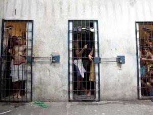 Екшън в бразилски затвор: Затворници взеха надзиратели за заложници