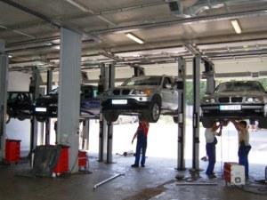 Край на гаражните автоработилници! Ремонтирате колата само в лицензиран сервиз