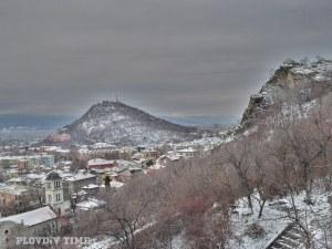 Пловдив под обсада: Сняг и дъжд атакуват града, зимата се завръща