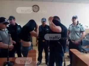 Пловдивският полицай, обвинен в грабеж на цигари за 300 бона, се връща на работа