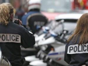 Нашенец заби нож в италианска полицайка, спаси я телефонът й