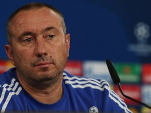 Мъри Стоилов поема националния отбор на Казахстан