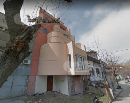 Авангардна къща в центъра на Пловдив търси купувачи, свалиха цената ѝ с над 200 хиляди