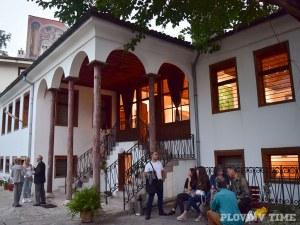 Наследниците на Ди Киро и Слона срещу идеята за кръчми в галериите в Стария град