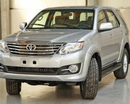 Краят на нафтата: Тойота започват да спират продажбата на дизелови коли