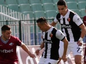 Септември приземи Локо в София, вторият гол падна след засада