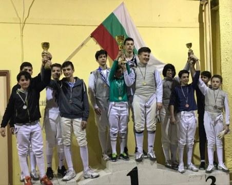 Младите фехтовачи на Тракия с 6 златни медала от държавното СНИМКИ