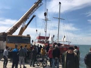 Потънал кораб извадиха от водите на Черно Море