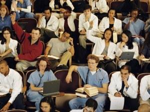 Чуждестранни студенти завличат държавата с кредити за висше