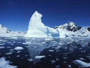 Наша писателка преживяла трагедия на връщане от Антарктида