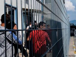 Арестуваха 39 души в Албания за фалшиви паспорти, издирват и българи