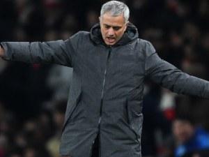 Моуриньо сменя почти целия отбор на Юнайтед, иска 300 милиона