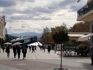 Екзотична идея или реален вариант? Бутат Партийния дом за нов дом на операта в Пловдив ВИДЕО