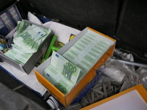 Арести в Пловдив! ГДБОП разби група за фалшиви пари и документи СНИМКИ и ВИДЕО