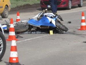 Черен ден за мотористите, 25-годишен мъж загуби живота си