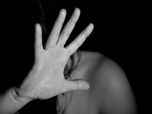 Пазарджиклия наруши ограничителата си заповед, заплаши жена си