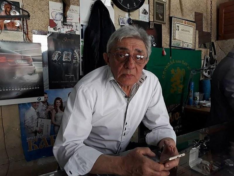 Пловдивски бижутер майстори часовник във великденско яйце на Фаберже