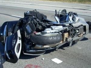 Моторист се бори за живота си след тежка катастрофа край Хасково