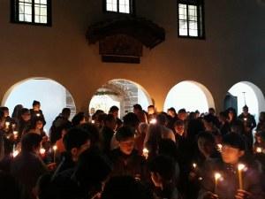 Брезовци празнуват Великден в църква на почти два века СНИМКИ