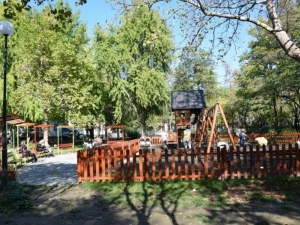 Подписка на 200 родители в Пловдив с резултат: получават детска площадка в центъра