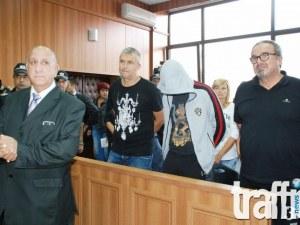 Цитрусовият бос Сотир Янков, жена му и дъщеря му застават пред съда в Пловдив