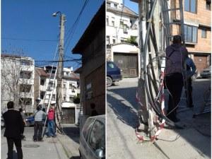 Кола откърти стълб в центъра на Пловдив! Затварят улица за час СНИМКИ