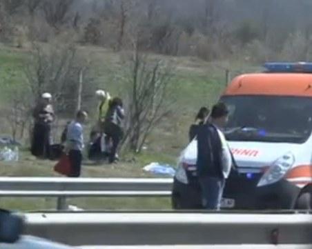 Жестока катастрофа на Тракия! Над 20 души са ранени, има и загинали СНИМКИ